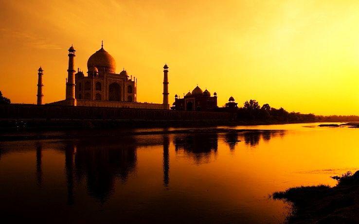 Taj-Mahal-at-Sunset-02_1426241404e13.jpg