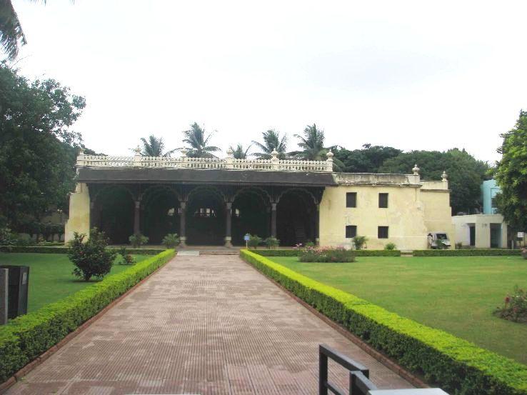 Tipu-sultan-palace_bangalore_1428327595s130.jpg