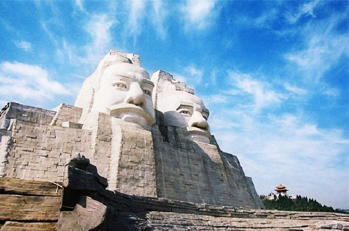 8 Tallest Statues In The World