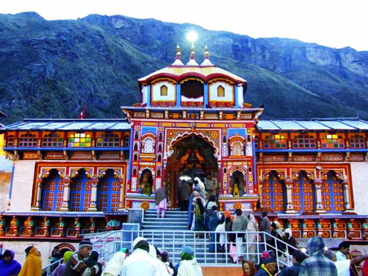 badrinath_temple_0_1426255472u30.jpg