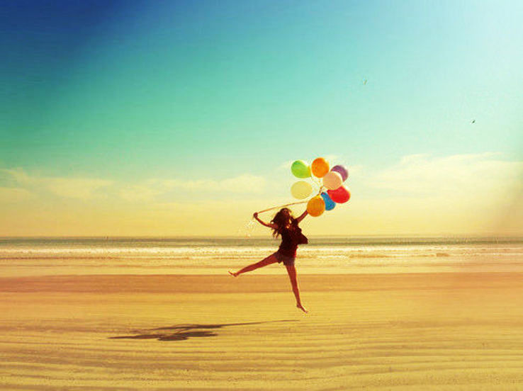 balloon-balloons-beach-colorful-girl-happy-favim_com-49830_1426769251u70.jpg
