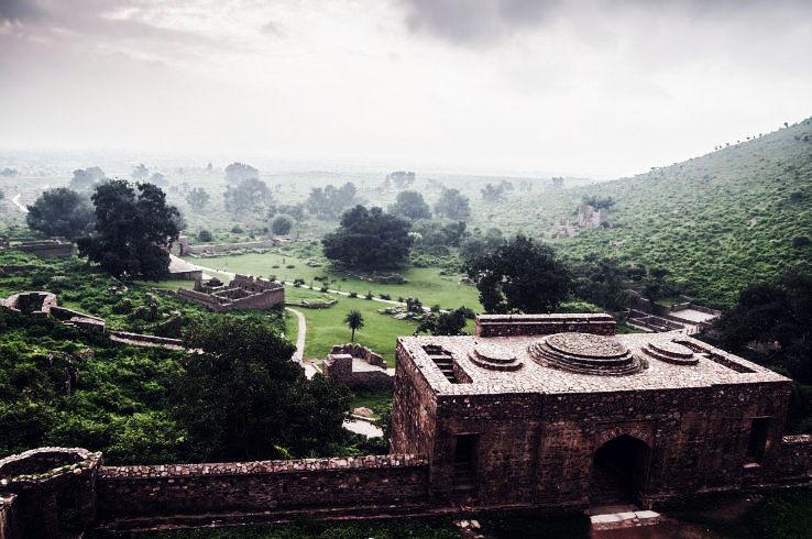 bhangarh-fort-3_1443704899e14.jpg