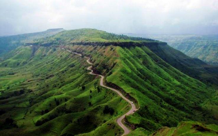 bhimashankar-cliffs-karjat_281_1427350885u160.jpg