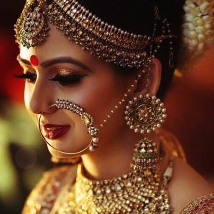 Why Do Indian Brides Wear Red Dots