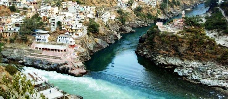 Best Hill Stations to enjoy waterfall in Uttarakhand in India