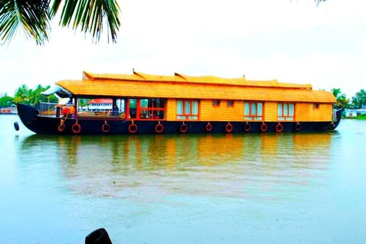 5 Houseboats in Alleppey that will urge you to travel