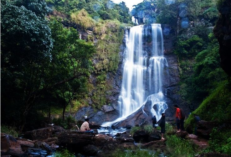 Best Places To Visit In Chikmagalur Hello Travel Buzz - Top 10 destinations around the world for homestays