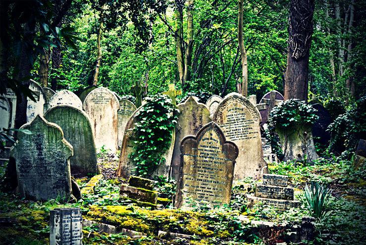 highgate_cemetery2_1444116499u22.jpg
