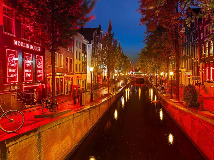 Amsterdam to ban red light district tours in 2020
