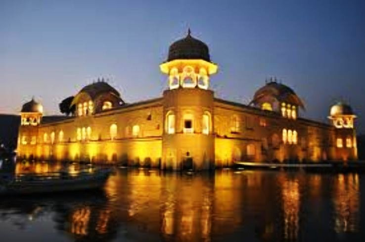 An Amazing Floating Palace In IndiaThat Is A Must Visit.