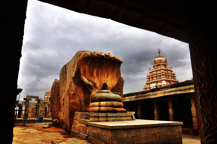 Places to look out for the magnificent floating pillar in South India