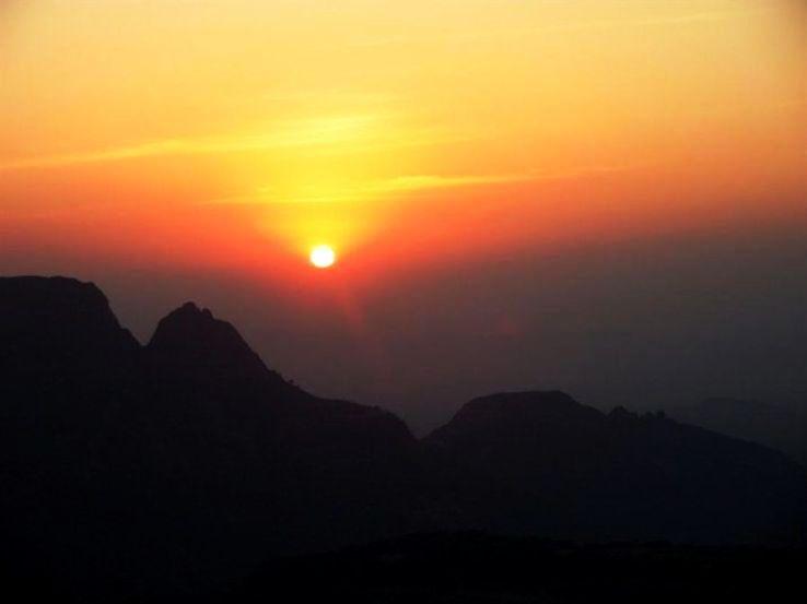 matheran-sunset-point_1426241405u60.jpg