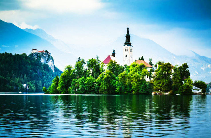 6 Magnificent Real Life FairyTale Islands