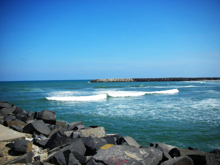 pondicherry beach_1469612861u40.jpg