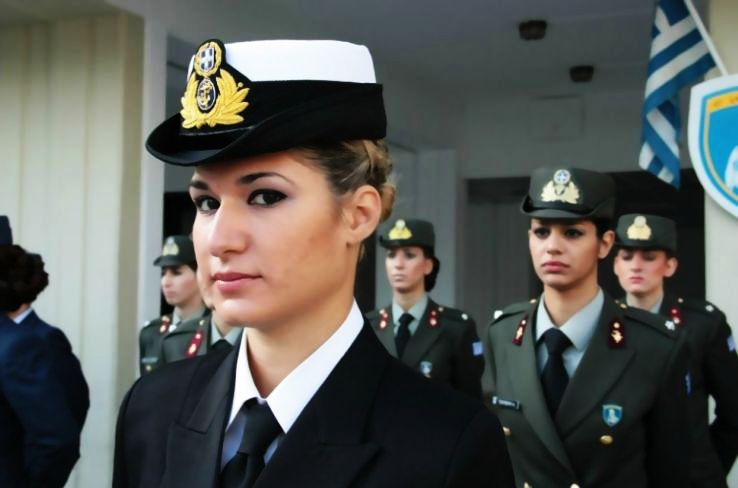 5 Most Attractive Female Armed Forces