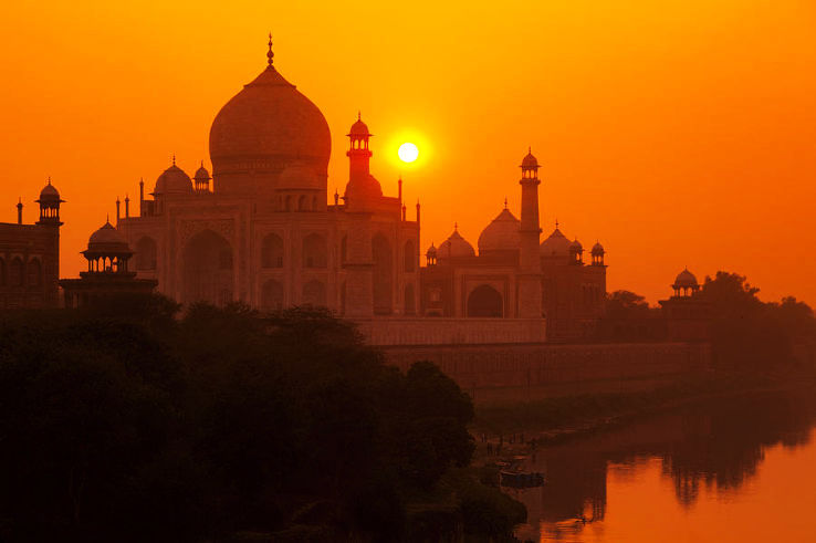 sunset-at-taj-mahal-adrian-pope_1426241404e12.jpg