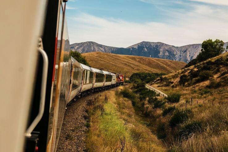 train-690061_1280_1479231673e11.jpg