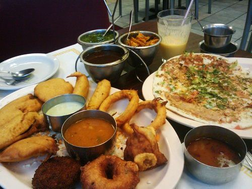 Mirror image of Indian food restaurants in USA