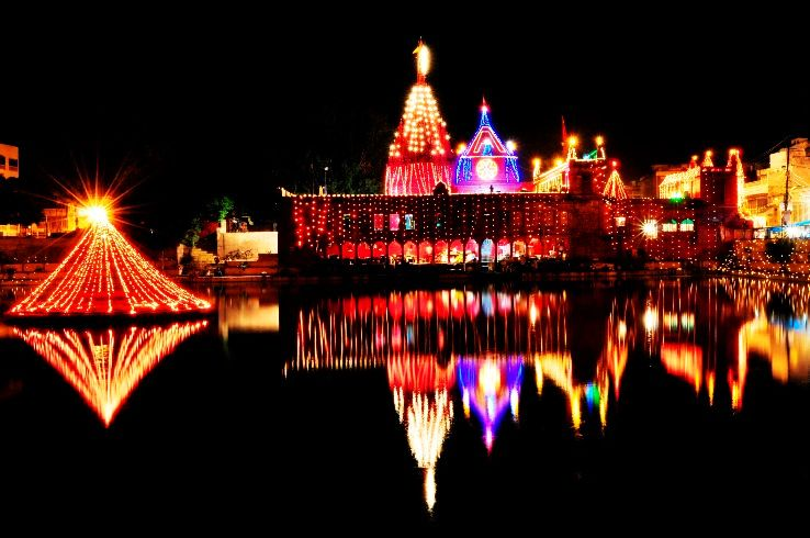 Varanasi Received Rs 20 Cr For Developing Tourism Spots And Activities In Temples