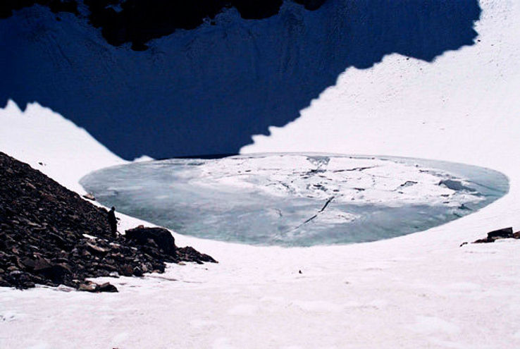 xfrozen-roopkund-lake_0_1426751573e12.jpg