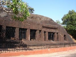 Arvalem Caves / Pandava Caves