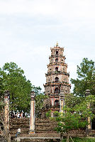 Pay Respects To Thien Mu Pagoda