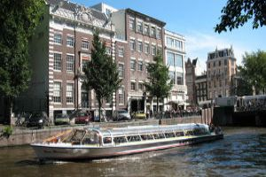 Canal Cruises: See Them Differently