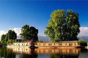 Stay In A Shikara In Dal Lake