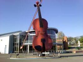 Worlds Largest Fiddle
