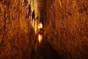 Walking Through Hezekiahs Tunnel