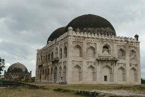 Haft Gumbaz Tomb