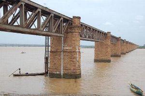 Old Godavari Bridge