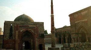 Pranpir Badshahs Tomb