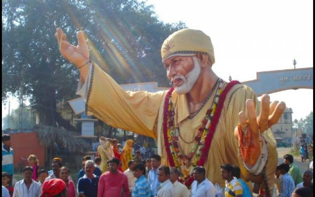 Heavenly Escape to Devotion, Love and Charity in Shirdi 2019